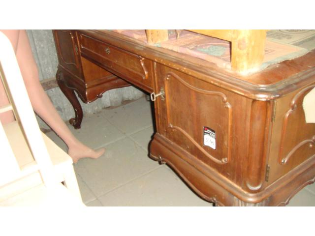 Antik íróasztal
